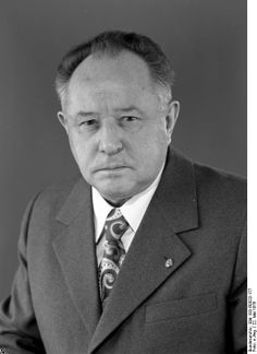 "fantastic ""humane"" portrait of erich mielke stasi chief ddr"