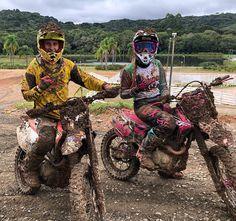 Motocross Couple, Motocross Love, Bike Couple, Motocross Girls, Motorcycle Couple, Motocross Gear, Cute Country Couples, Real Country Girls, Cute Couples Goals