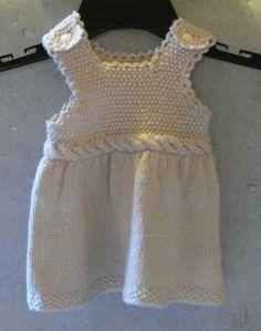 gkkreativ: Baby Strickkleidchen