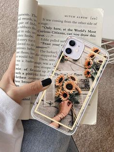 1pc Flower & Newspaper Print iPhone Case