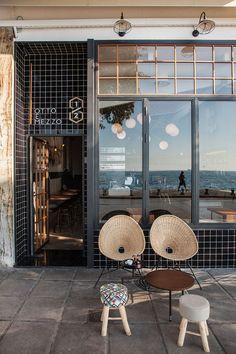 Otto e Mezzo Bistro Bar Serves Up an Urban Mediterranean Fusion in Thessaloniki Cafe Exterior, Interior Exterior, Retail Interior, Bistro Restaurant, Restaurant Design, Industrial Restaurant, Shop Facade, Rustic Cafe, Boutique Deco