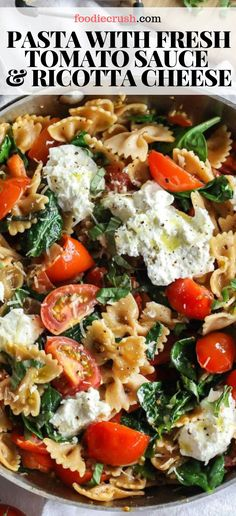 This fresh tomato pasta is ready in less than 15 minutes and is made even healthier with whole wheat pasta and fresh spinach. Wheat Pasta Recipes Healthy, Ricotta Cheese Recipes Pasta, Fresh Spinach Recipes, Ricotta Pasta, Spinach And Cheese, Healthy Pastas, Veggie Recipes, Goat Cheese, Recipes