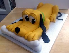 pluto cakes - Google Search Disney Popcorn Bucket, Susie Cakes, Novelty Birthday Cakes, Sculpted Cakes, Mickey Mouse And Friends, Fancy Cakes, Baby Birthday, Cupcake Cakes, Cupcakes