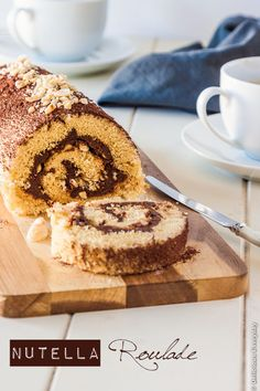 Nutella roulade (Swiss roll cake) with toasted hazelnuts from Delicious Everyday by Jennifer Schmidt Hazelnut Recipes, Nutella Recipes, Cupcakes, Cupcake Cakes, Cake Roll Recipes, Dessert Recipes, Dessert Ideas, Best Roll Recipe, Roulade Recipe