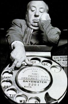 Sir Alfred Joseph Hitchcock (Leytonstone, 13 agosto 1899 – Bel Air, Los Angeles, 29 aprile 1980) è stato un regista e produttore cinematografico britannico. Per le numerose invenzioni apportate al mezzo cinematografico è considerato una delle personalità più importanti della storia del cinema. È conosciuto, grazie ai suoi capolavori thriller, come «maestro del brivido».