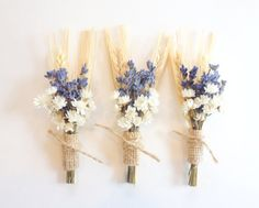 11 Easy Ways To Create a Rustic Wedding DIY your very own groom's boutonniere with fall flower combos. From wildflowers to jute favor bags, each of these adds that country vibe to your big day. Lavender Boutonniere, Rustic Boutonniere, Boutonnieres, Groomsmen Boutonniere, Corsage Wedding, Flower Bouquet Wedding, Fall Flowers, Dried Flowers, Wheat Wedding