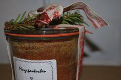 Das perfekte Marzipankuchen im Glas-Rezept mit Bild und einfacher Schritt-für-Schritt-Anleitung: Den Backofen auf 180°C vorheizen. Die Weckgläser mit…