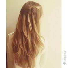 DIY hair. by @instabraid  #diyhair #tutorial #tutorials #hairstyle #instructions #instruction #diy #fishtailbraid #diyideas #diyproject #doityourself #idea #ideas #pretty #dutchbraid #stylish #blond #instahair #fishtail #tutoriales #diyfashion #hair #braid #ponytail#braids#pictorial #bun #hairbow#frenchbraid#longhair
