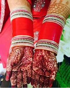 65 Trendy Ideas For Indian Bridal Chura Red Bangle Set Bridal Bangles, Bridal Jewelry, Punjabi Bride, Punjabi Chura, Punjabi Wedding, Chuda Bangles, Bangle Ceremony, Bridal Shower Appetizers, Wedding Chura
