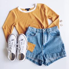 Mode You are in the right place about Outfit jeans Here we offer you the most beautiful pictures about the sporty Outfit you are looking for. When you examine the Mode part of the picture you can get Outfit Pinterest, Pinterest Mode, Pinterest Fashion, Teen Fashion Outfits, Outfits For Teens, 90s Fashion, Girl Outfits, Womens Fashion, Fashion Trends