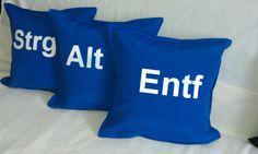 Kissenhüllen 3er Strg-Alt-Entf 40x40cm blau von design.geddert.net auf DaWanda.com