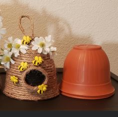 Flower Pot Crafts, Clay Pot Crafts, Bee Crafts, Bunny Crafts, Crafts To Do, Dollar Tree Decor, Dollar Tree Crafts, Summer Crafts, Fall Crafts