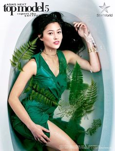 Maureen Wroblewitz [Phillipines ] -- Cycle 5 This is one of my favorite photos of you at the AsNTM. I love your performance. Milk Bath Photography, Photography Poses, Inspiring Photography, Maureen Wroblewitz, Asia's Next Top Model, Filipina Beauty, Photoshoot Concept, Posing Guide, Tumblr Girls