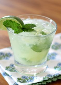 Pineapple Mint Mojitos by barefeetinthekitchen: Refreshingly light and not too sweet. #Cocktail #Mojito #Pineapple #MInt