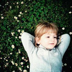 Enseñemos a nuestros hijos a querer la naturaleza y a disfrutar del poder de lo simple. #TipsTerraPyJ Llámanos al (4) 3860181 o visita nuestra página web www.terra.net.co Imagen inspiración Pinterest