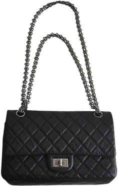 77218948890b Buy your leather handbag CHANEL on Vestiaire Collective