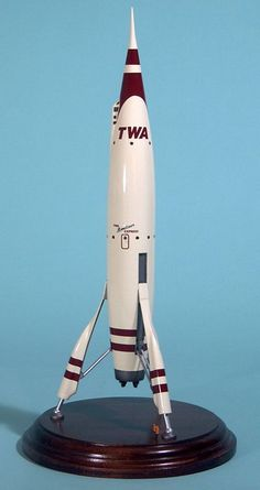 Moonliner model, representing one of the taller 4 versions to be in the park. Vintage Space, Vintage Toys, Rocket Ships, Retro Rocket, Space Toys, Vintage Disneyland, Retro Futuristic, Aircraft Design, Vintage Branding