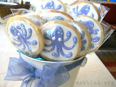 Google Image Result for http://dabbled.org/wp-content/uploads/2011/02/octopus-shower-cookies.jpg