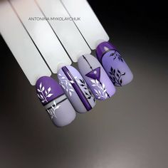 On average, the finger nails grow from 3 to millimeters per month. If it is difficult to change their growth rate, however, it is possible to cheat on their appearance and length through false nails. Winter Nails, Spring Nails, Acrylic Nail Designs, Acrylic Nails, Art Nails, Purple Nail Art, Lilac Nails, Nailart, Nail Art Designs Videos