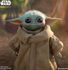 Star Wars The Mandalorian The Child Life-Size Figure [Baby Yoda] (Pre-Order ships October) Sideshow Star Wars, Sideshow Toys, Sideshow Collectibles, Yoda Meme, Yoda Funny, Star Wars Collection, Baby Groot, Yoda Pictures, Yoda Images