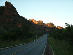 Caminho, com belas paisagens.