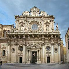 La basilica di Santa Croce è una chiesa del centro storico di Lecce, in via Umberto I.