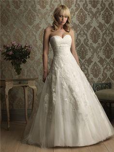 Sweet heart lace wedding dress