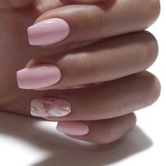 Adding some glitter nail art designs to your repertoire can glam up your style within a few hours. Check our fav Glitter Nail Art Designs and get inspired! Chic Nails, Classy Nails, Stylish Nails, Best Acrylic Nails, Acrylic Nail Designs, Nail Art Designs, Nagellack Design, Nagellack Trends, Pink Nail Art
