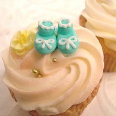 #baby shower cupcakes