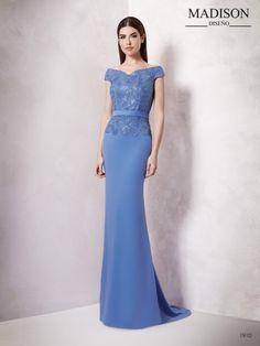 b400a75a9 Vestido para bodas sútil y etéreo con tul bordado y crepe