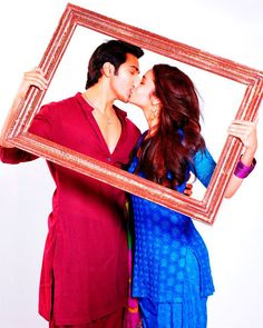 """ALIA CONFESSES HER LOVE FOR VARUN? """"FOR MORE NEWS ON Humpty Sharma Ki Dulhania MOVIE CLICK ON THE IMAGE""""  Get latest Bollywood News and Gossip VISIT BISCOOT SHOWTYM FOR FULL STORY CLICK BELOW : http://www.biscoot.com/showtym While both remained silent on their relationship status, in a recent interview, Alia revealed that she and Varun really love each other. FOR MORE BOLLYWOOD LATEST NEWS ON MOBLIE CLICK : http://m.biscoot.com"""