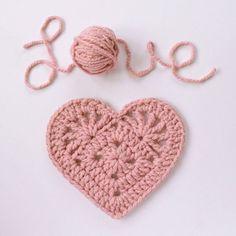Crochet chunky heart. Pattern by Island Style Crochet