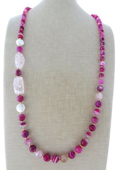 Hot pink agate necklace, rose quartz necklace, beaded necklace, chunky necklace, long stone necklace, spring jewelry, gemstone jewelry    Glamour long necklace with faceted hot pink agate, rose quartz and freshwater white pearls.  Glamour, chic, feminine !     Necklace: 36.2 inches - 92 cm  Gold tone   Italian handmade gemstone jewelry  Free gift box with every purchase      Sofias Bijoux jewellery:  http://www.etsy.com/it/shop/Sofiasbijoux      *****************************    These jewels…