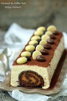 Chocolate roll in coffee mousse Cookie Desserts, No Bake Desserts, Coffee Mousse, Russian Desserts, Cake Recipes, Dessert Recipes, Chocolate Roll, Something Sweet, Sweets