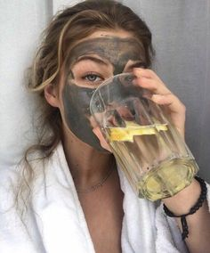 Facemask + lemon water in 2020 Insta Photo Ideas, Lemon Water, Spa Day, Self Care, Beauty Skin, Photography Poses, Beauty Hacks, Diy Beauty, Beauty Tips