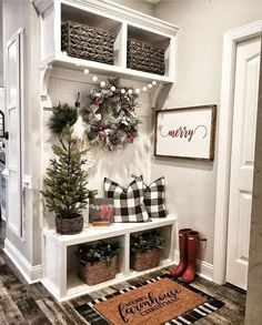 Home Decoration Design .Home Decoration Design Farmhouse Christmas Decor, Farmhouse Wall Decor, Christmas Home, Farmhouse Small, Farmhouse Ideas, Modern Farmhouse, Christmas Staircase, White Christmas, Farmhouse Homes