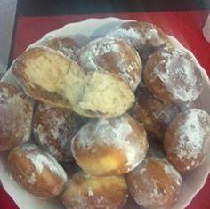 Gogosi pufoase reteta de la bunica | Savori Urbane Baking Recipes, Cake Recipes, Food Cakes, Pretzel Bites, No Bake Cake, Donuts, Sausage, Muffin, Bread