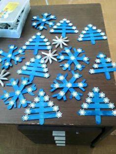Flocos de neve feito com palito de picolé
