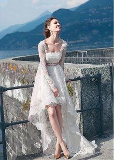 robe de mariée rétro courte devant et longue à l arrière Robe De Mariée  Rétro a1f6509f04a8