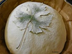 Bread Art, Pan Bread, Yeast Bread, Sourdough Bread, Sourdough Recipes, Bread Recipes, Kings Bakery, Festive Bread, Bread Shaping