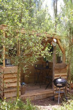 Outdoor cooking spot on Camping o Tamanco at Portugal´s Silver Coast (near Coimbra). Close to nature - Camping in style.