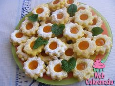 Aprósütemények – Oldal 24 Hungarian Cookies, Hungarian Food, Hungarian Recipes, Austrian Food, Austrian Recipes, Hungary, Biscuits, Good Food, German
