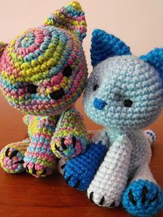 Gatititos Multicolor free pattern available in English and Spanish on Ravelry