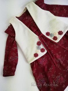 Sukienka bordowa w kwiatki i z falbaną dla dziewczynki Alexander Mcqueen Scarf, Fashion, Moda, Fashion Styles, Fashion Illustrations