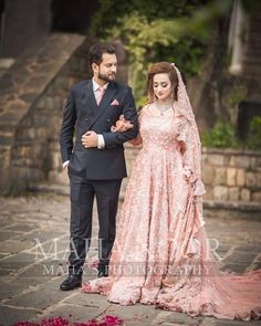 Asian Wedding Dress Pakistani, Bridal Hairstyle Indian Wedding, Pakistani Fashion Party Wear, Indian Bridal Outfits, Indian Bridal Wear, Pakistani Dresses, Couple Wedding Dress, Wedding Dresses For Kids, Nikkah Dress