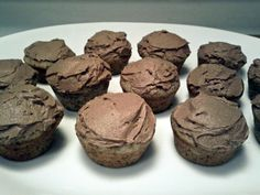 most delicious mocha frosting on mini banana muffins.. recipe at bakingandbusiness.blogspot.com