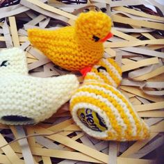 Easter chick knitting is a new yoga pinterest knit patterns 3 creme egg covers easter chick egg holders easter egg hunt cover for negle Gallery