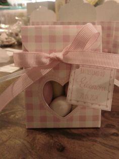 Scatoline a scacchetti rosa e confetti color pastello per un dolce battesimo!!!