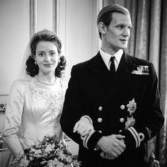 Elizabeth Philip, Queen Elizabeth Ii, Matt Smith The Crown, Clare Foy, The Crown Series, The Crown Season, Florence Pugh, Lights Camera Action, Tv Couples