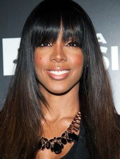 I wish i could pull off bangs because the color is perfection!!